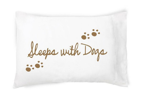 Free Shipping Sleeps With Dogs 100/%  Cotton Pillowcase
